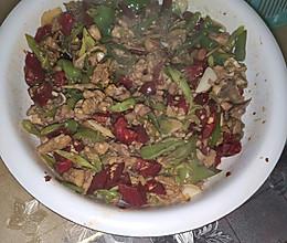 宫保鸡丁(干辣椒和青尖椒),不辣好吃的做法