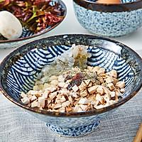 饭合 | 鲜虾口蘑香椿卷儿的做法图解3