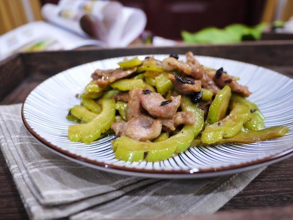 #硬核菜谱制作人#苦瓜炒肉