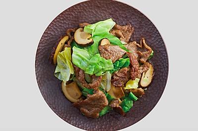 家常小炒之包菜菌菇炒牛肉