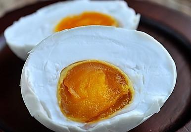 在家轻松自制咸鸭蛋--饱和盐水法