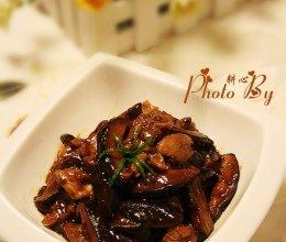 香菇丝炒鸡腿肉的做法