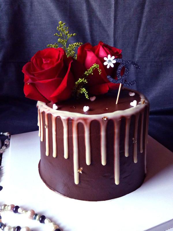 【巧克力淋面蛋糕】——让你每天都是女王
