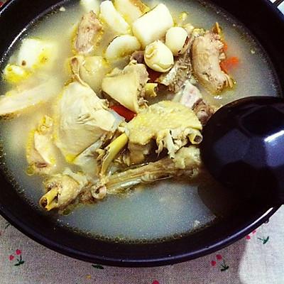 淮山莲子土鸡汤