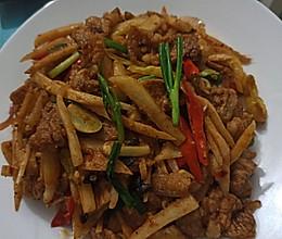 泡姜炒五花肉的做法