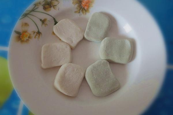 奶香双色糯米糍的做法