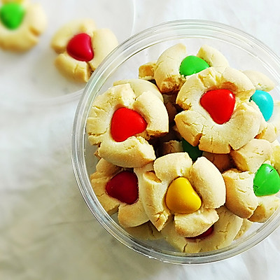可爱的彩豆玛格丽特饼干
