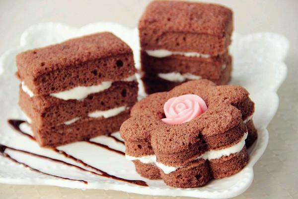 甜蜜下午茶 醇香可可夹心蛋糕的做法