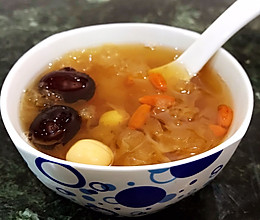 银耳莲子红枣粥的做法