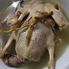 铁皮石斛花旗参水鸭汤