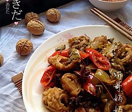 家常菜——泡椒酸菜炒肥肠的做法