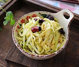 #花10分钟,做一道菜!# 凉拌西葫芦的做法