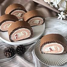 梦幻美味的撞色草莓奶油蛋糕卷