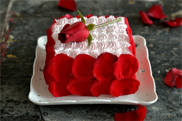 【番茄配方】玫瑰情人节蛋糕的做法