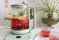 下雨天,来杯热热的水果红茶的做法