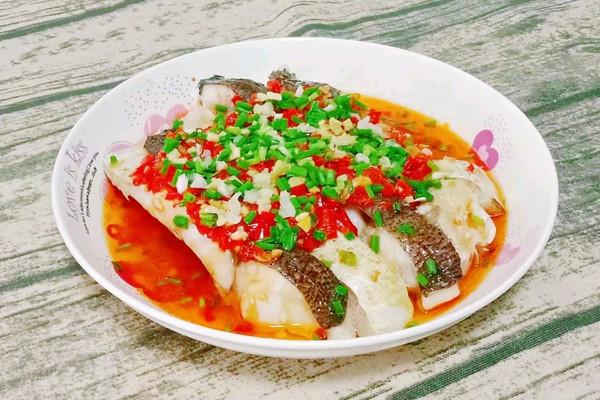 剁椒蒸鱼腩的做法