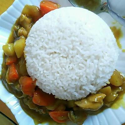 咖喱土豆鸡肉饭