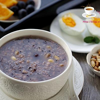 【一人炊事】补血益气的养颜粥---紫米葡萄粥