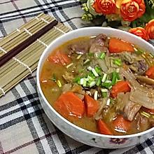 羊肉炖酸菜