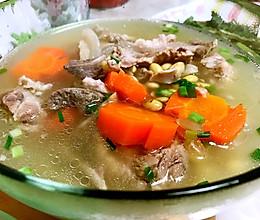 筒骨黄豆汤的做法