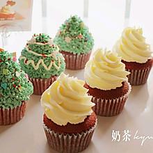 红丝绒杯子蛋糕圣诞版