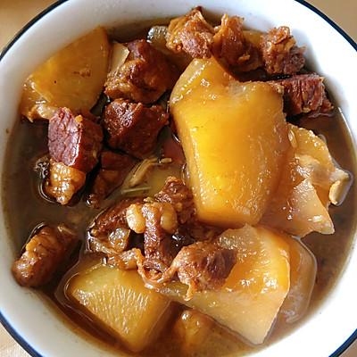 白萝卜炖牛腩(萝卜牛腩煲)