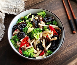 #秋天怎么吃#节后清肠菜~黑木耳菌菇西兰花的做法