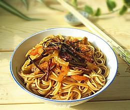 榨菜开洋葱油拌面的做法