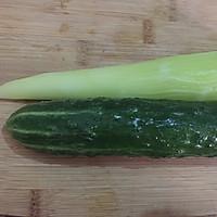 凉拌莴笋黄瓜丝的做法图解1