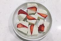草莓牛奶小方 简单哟的做法