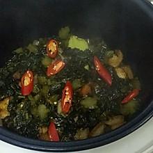 酸菜炖腿肉