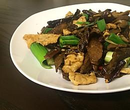 牛肝菌炒肉的做法