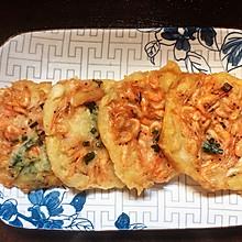 酥脆小虾饼