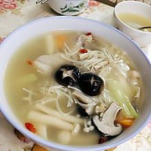 鲜菇杂菌汤