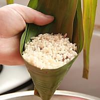 鲜肉鸭蛋黄粽子(内含红豆大枣口味)的做法图解24