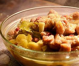 靠这锅酸菜小酥肉,我能吃五碗饭!的做法
