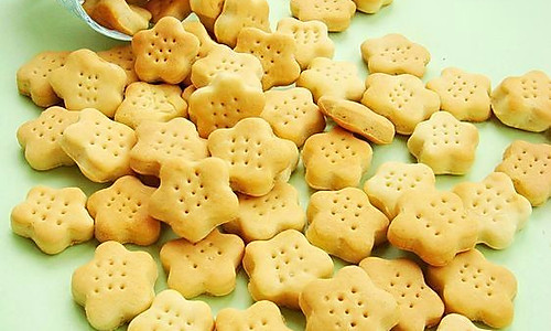 奶香苏打饼干的做法
