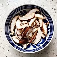 #硬核菜谱制作人#蚝油双菇鸡丝的做法图解8