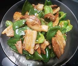 回锅肉炒青椒的做法