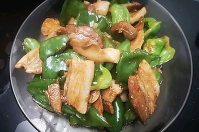 回锅肉炒青椒