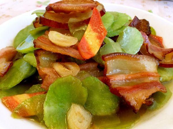 莴笋炒腊肉的做法