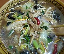 酸辣菌菇肚丝汤的做法