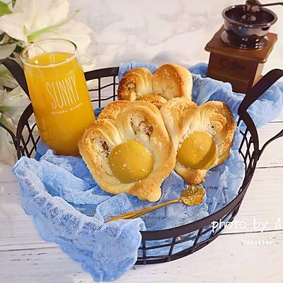 心中的太阳~椰蓉黄桃夹心菠萝酱面包
