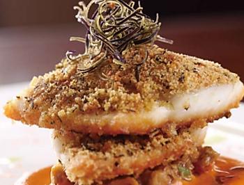 香煎海鲈鱼柳伴嫩茄配番茄汁