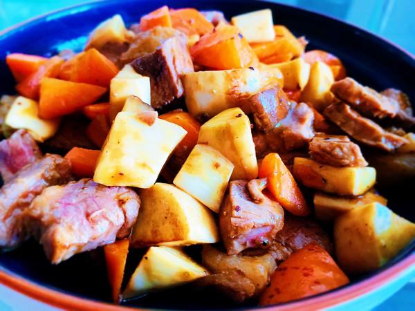杏鲍菇胡萝卜炒牛排的做法
