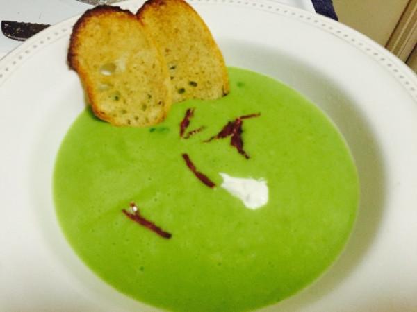 西班牙豌豆奶油浓汤 简单经典漂亮健康 四人份