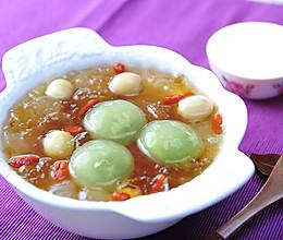 母亲节让妈妈甜到心里的养颜糖水-桃胶雪莲子抹茶汤圆的做法