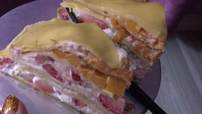 我的千层饼蛋糕  草莓芒果味的 超赞哦