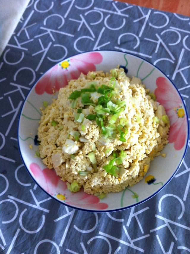小葱拌豆腐吃掉txt_咸鸭蛋拌豆腐怎么做_咸鸭蛋拌豆腐的做法_豆果美食