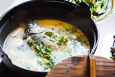 优质蛋白 | 年夜饭必备傻白鲜的鱼汤?